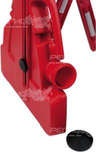 Фрагмент пластикового переносного барьера красная гитара