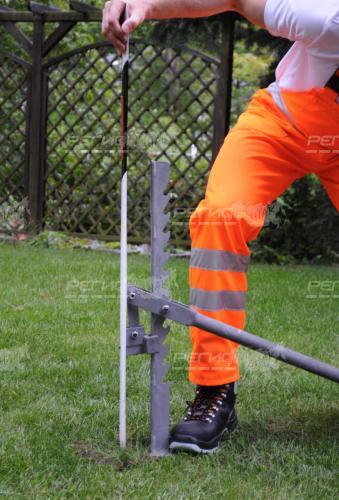 Демонстрация демонтажа столбиков дорожных сигнальных стилфлекс