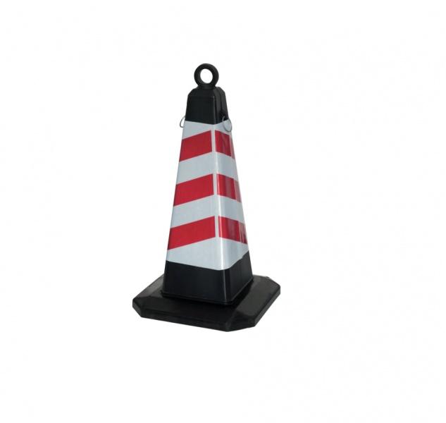 Конус пластиковый пирамидной формы