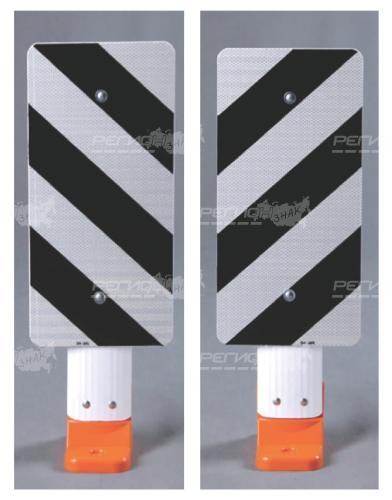 Шит черно белого цвета на столбике С3П стилфлекс
