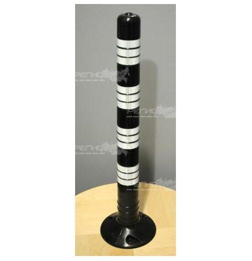 Столбик для частных парковок черного цвета с белыми светоотражающими лентами